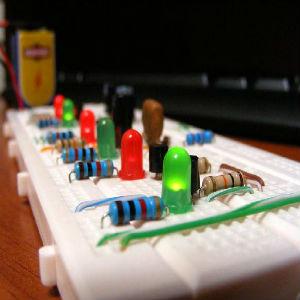 kit inicial de arduino comienza a entender el mundo que nos rodea 5c82b9b728e69 - Electrogeek