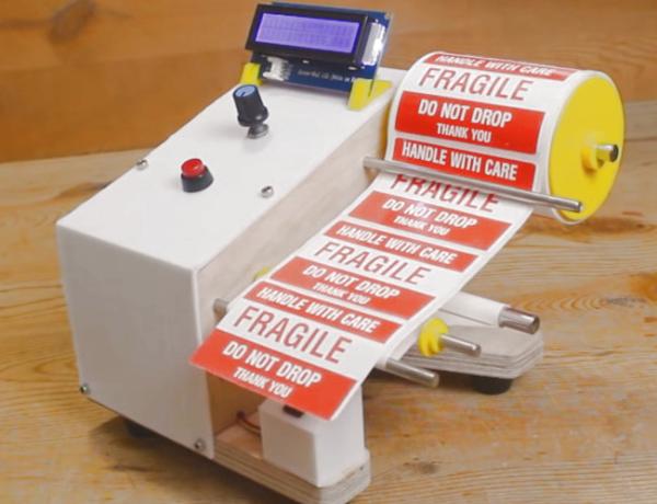 un dispensador de etiquetas automatico para adhesivos mas rapidos 5f9a194a025a0 - Electrogeek
