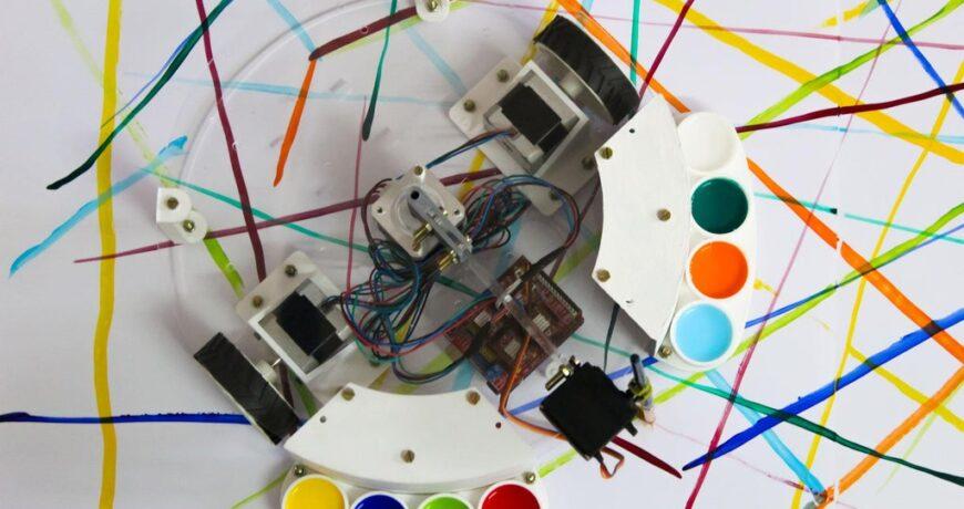 este robot impulsado por arduino es como un roomba con un pincel 5fb31adaa083d - Electrogeek