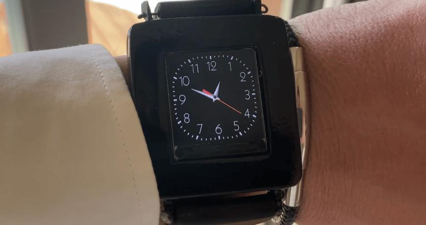 este reloj de bricolaje funciona pero solo por un tiempo limitado 5fcc2727de961 - Electrogeek