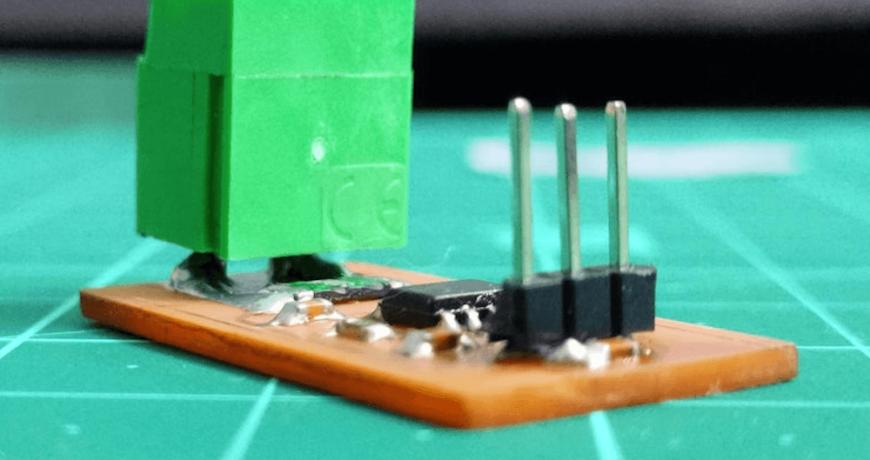 este sensor de corriente de bricolaje mide hasta 15 a y lo muestra en una pantalla oled 5fea79b13e89e - Electrogeek