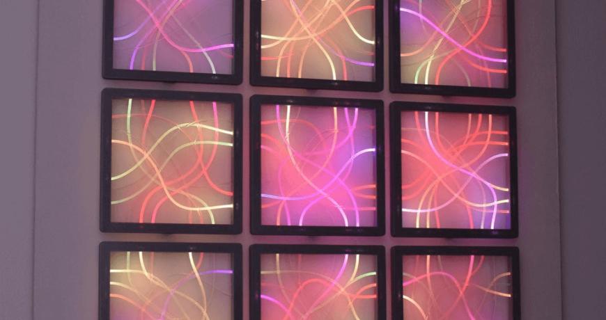 estos paneles de fibra optica de brillo lateral hacen una hermosa decoracion de pared 5fd16d6363fe1 - Electrogeek